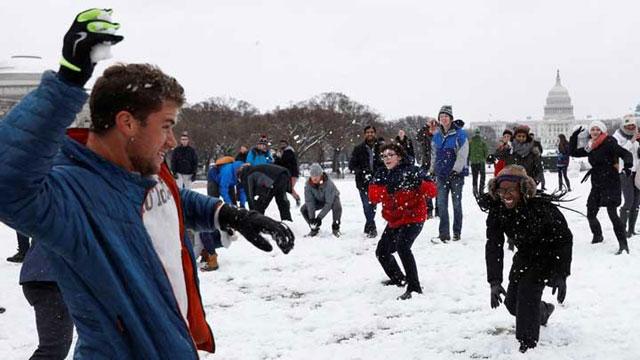 Perang Bola Salju