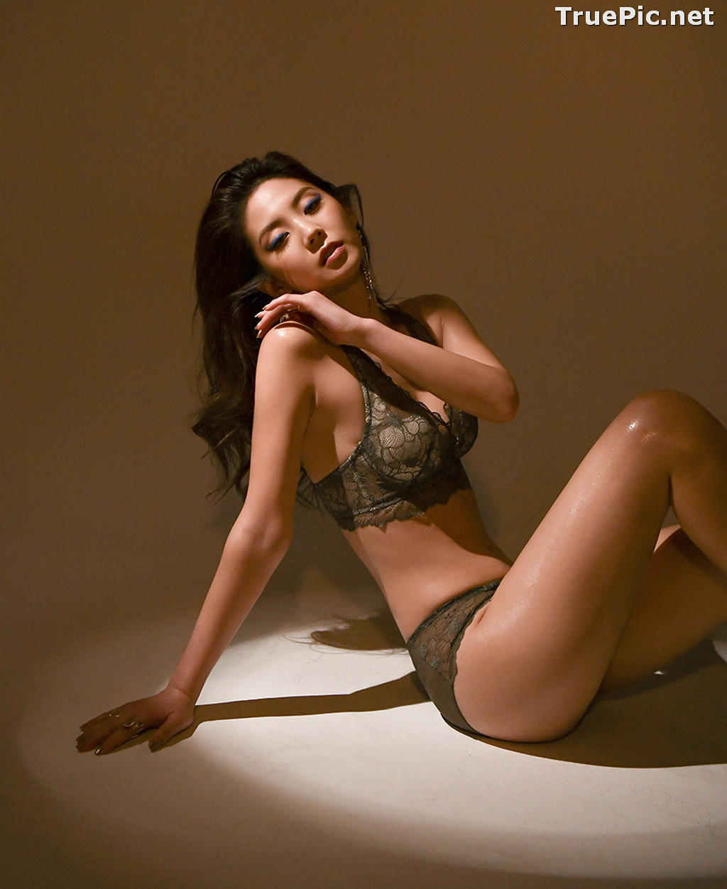 Image Korean Fashion Model - Lee Chae Eun - Soft Brown Lingerie - TruePic.net - Picture-7