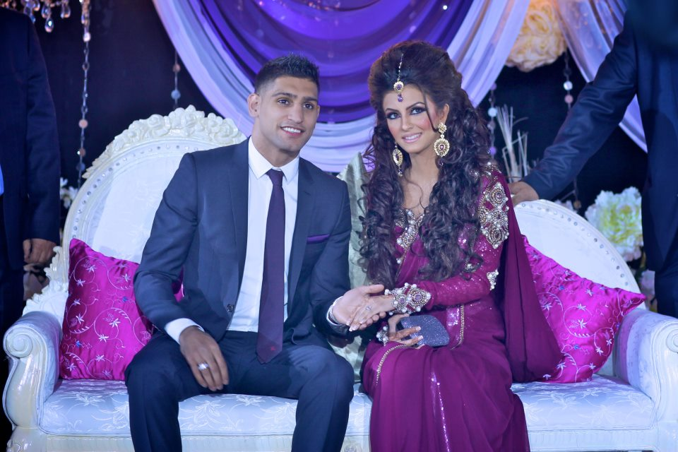 Superb Wallpapers With Quotes For Facebook Boxer Amir Khan And Faryal Makhdoom Wallpaper Background