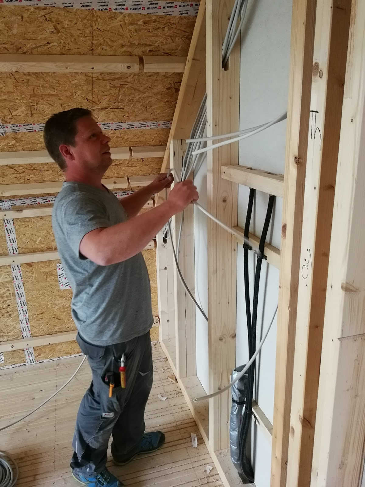Abenteuer Hausbau Mit SZ Haus: KW 18: Elektroinstallation, Konterlattung Decke  Dämmen