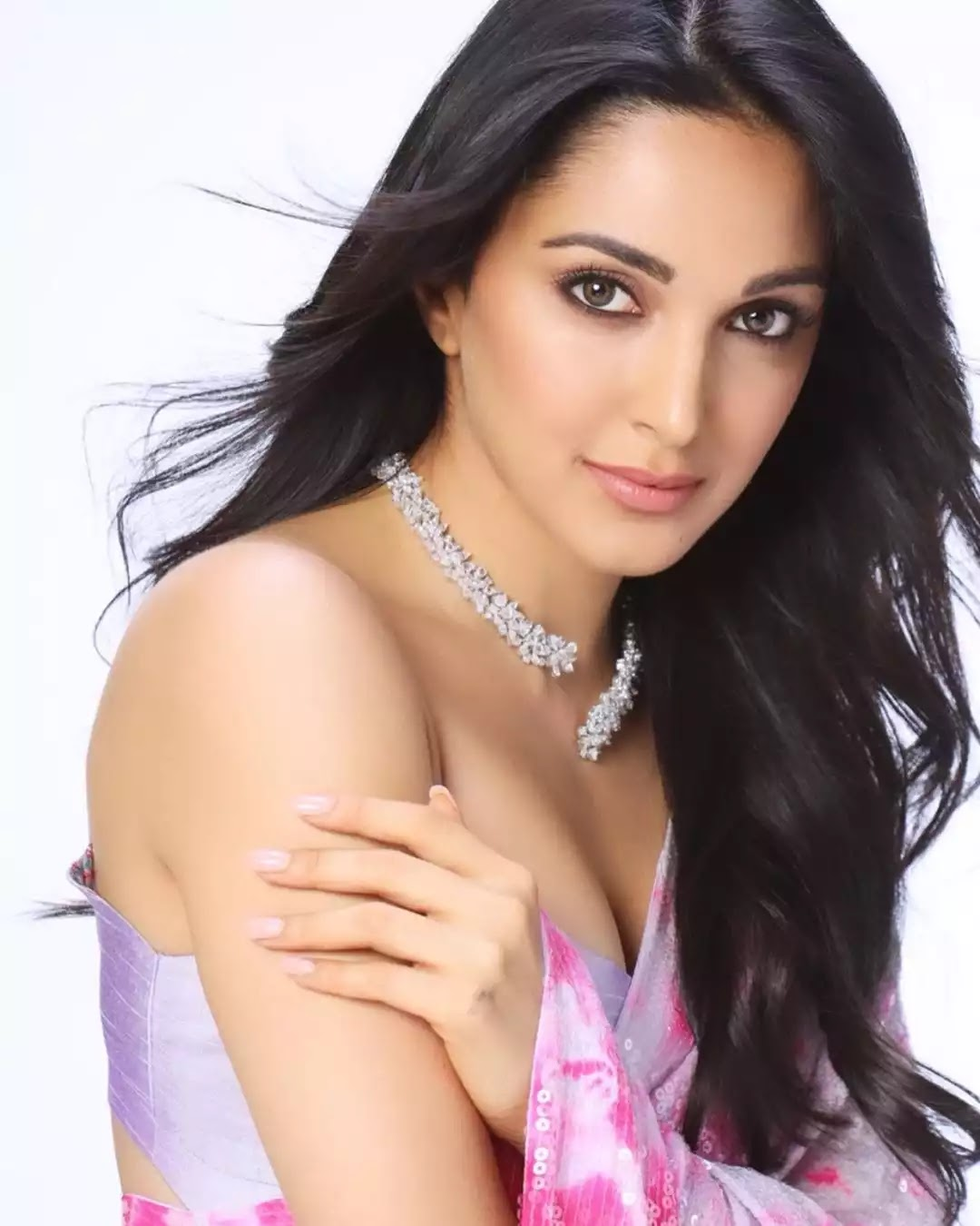 kiara-advani-in-pink-saree