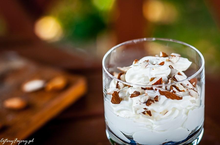 zdrowy-deser-jogurtowy