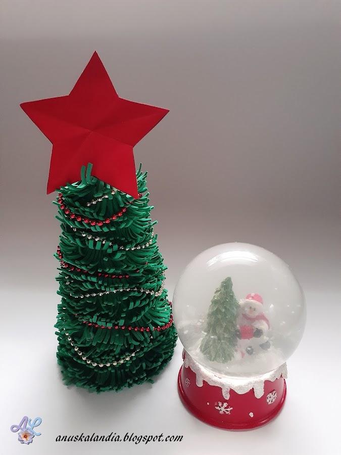 Árbol-navideño-con-goma-eva-Anuskalandia