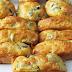 Cakes au yaourt au fromage et aux olives
