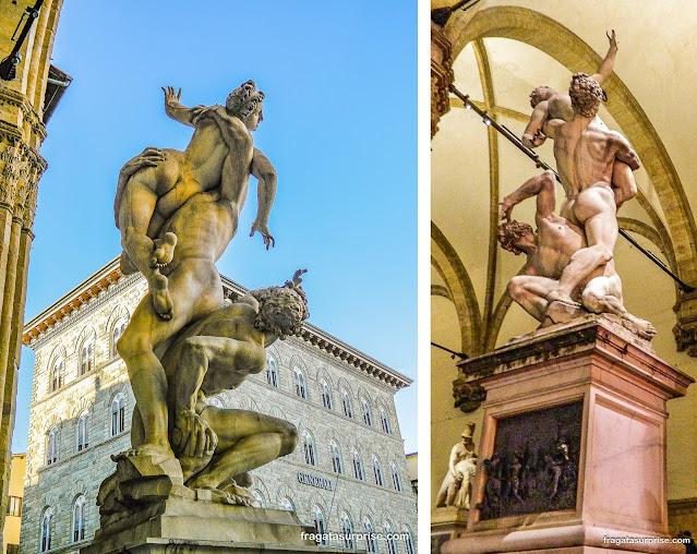 """Escultura """"O Rapto das Sabinas"""", de Giambologna, na Loggia dei Lanzi, Florença"""