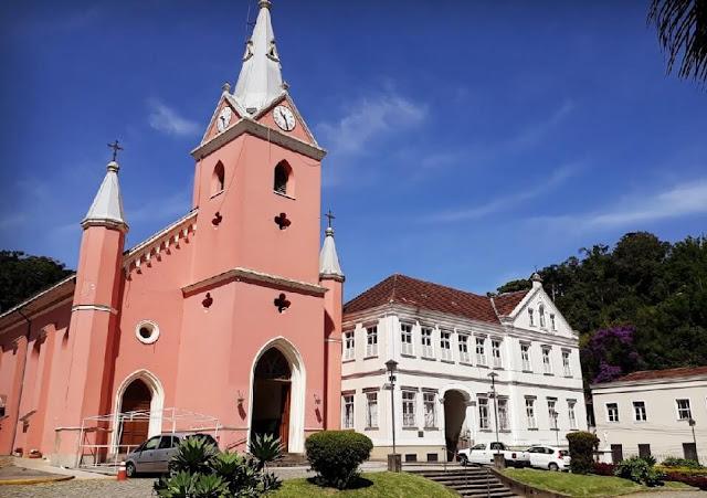 Igrejas de Petropolis sem missas