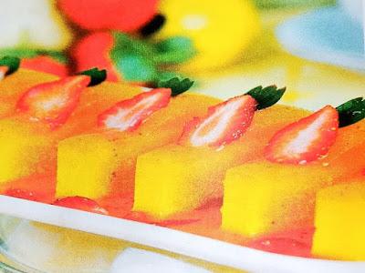 Gambar Resep Puding Pear Saus Stroberi