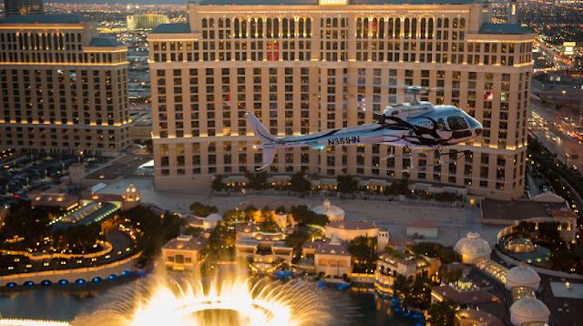 Incrível passeio de helicóptero a noite em Las Vegas