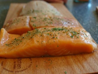 food that build muscle salmon