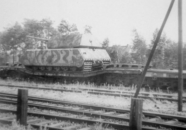 Maus Panzer VII worldwartwo.filminspector.com
