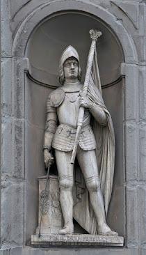 Francesco Ferruccio's statue in the courtyard of the Uffizi in Florence