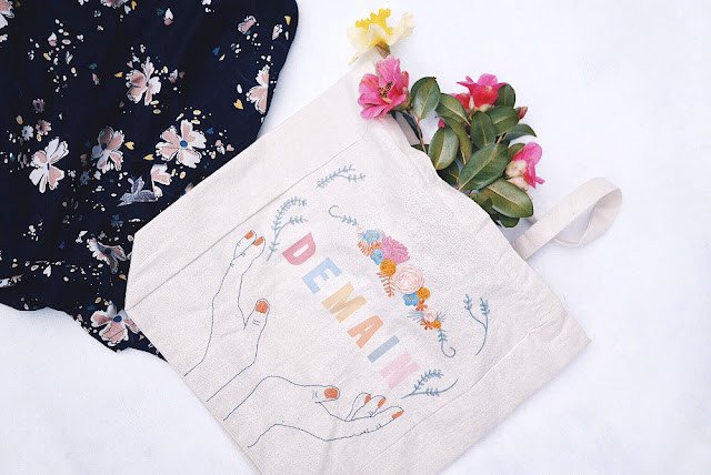 broderie tote bag