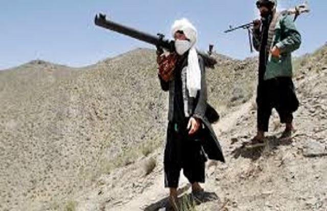 अफगानिस्तान : मुठभेड़ में 11 पुलिसकर्मियों और 10 आतंकियों की मौत