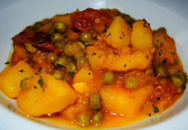 Patatas con Guisantes y Especias (Aloo Matar). Receta
