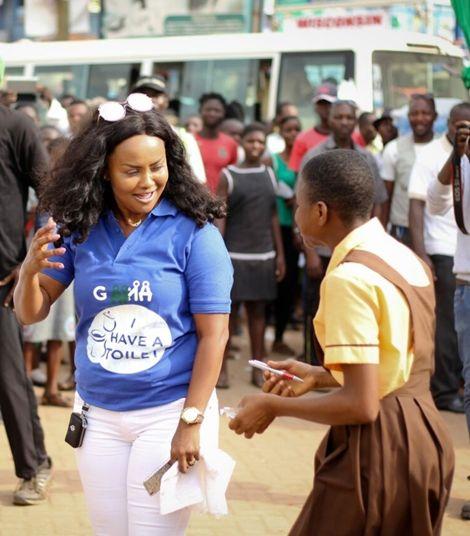 PHOTOS and VIDEO: Nana Ama Mcbrown Starts Campaign Against Cholera At Madina Market