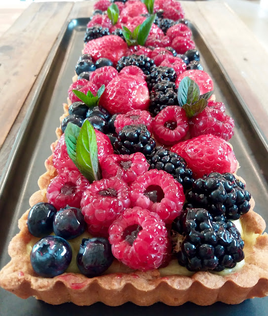 "alt=""tarte aux fruits rouges"""