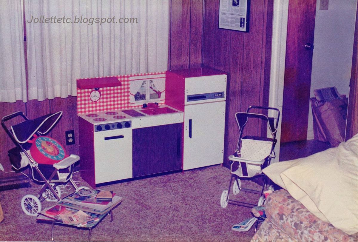 Kitchen Set 1984  http://jollettetc.blogspot.com
