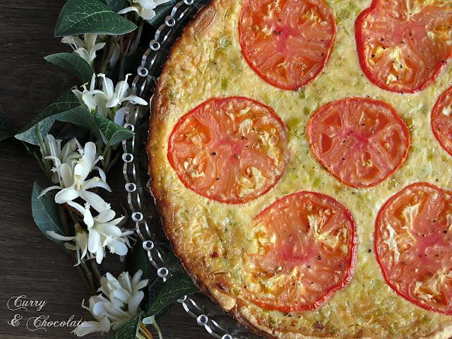 Quiche de puerro y queso con tomate
