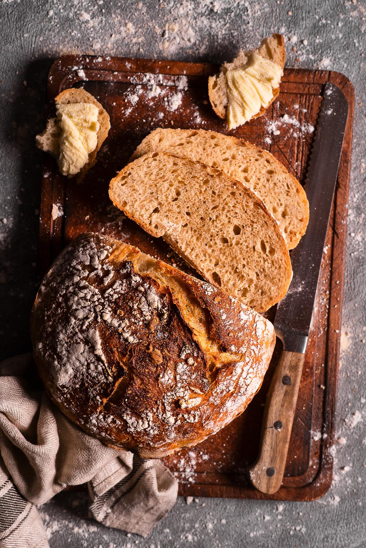 Chleb na zakwasie w stylu włoskim, z semoliną