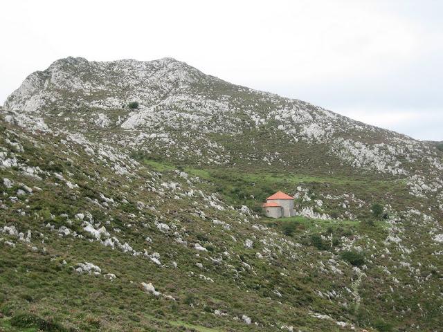 Rutas Montaña Asturias: Vista de la Fayona