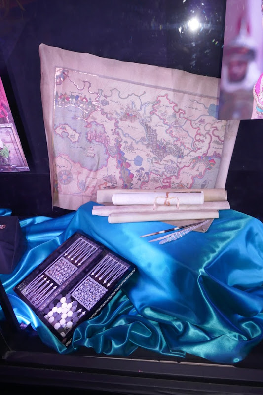 Jasmines maps game props Aladdin