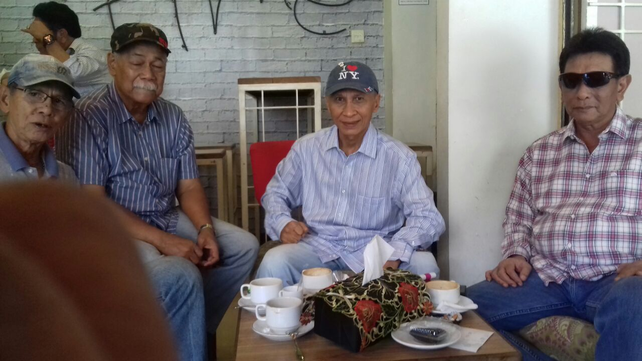 Jokowi Minta Kekerasan di Myanmar Dihentikan, Aktivis Malari 74: Tolong Kasih Cermin ke Presiden Biar Bisa Ngaca!