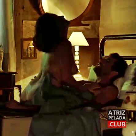 """Carolinah Rateiro nua em cena de sexo no curta """"Dá Licença de Contar"""""""
