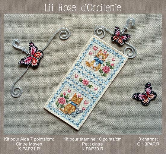 """Cintre métal et bois peint """"Papillon rose"""" + grille """"Chat & roses"""". Broderie et point de croix"""