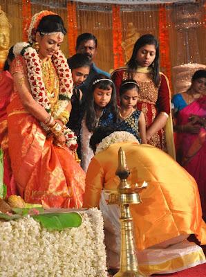 classmate-fame-radhika-marriage-photos