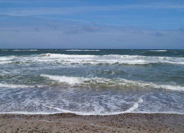 Aus unserem Dänemark-Urlaub: Wunderschöne Ausflugsziele rund um Houstrup. Teil 1: Strände, Häfen und einzigartige Natur. Hier: Henne Strand.