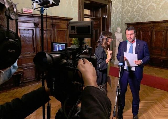A szenátus az embercsempészeket ünnepelte, mikor megvonta Salvini mentelmi jogát