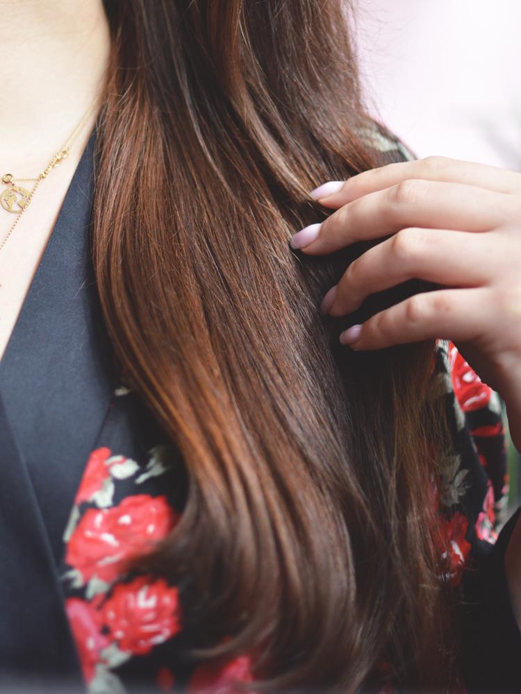 Czy prostownica i lokówka niszczą włosy? Jak je zabezpieczyć? - Czytaj więcej »