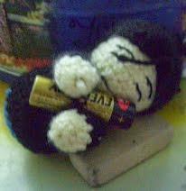 http://demonnekopaws.blogspot.com.es/2011/03/muneco-basico-amigurumi-paso-paso.html