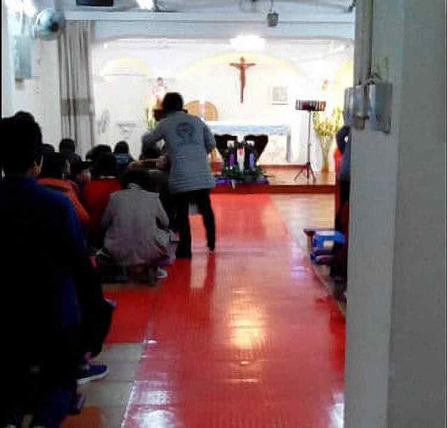 Igreja católica 'clandestina' antes de ser fechada pelo comunismo em Shijijiayuan
