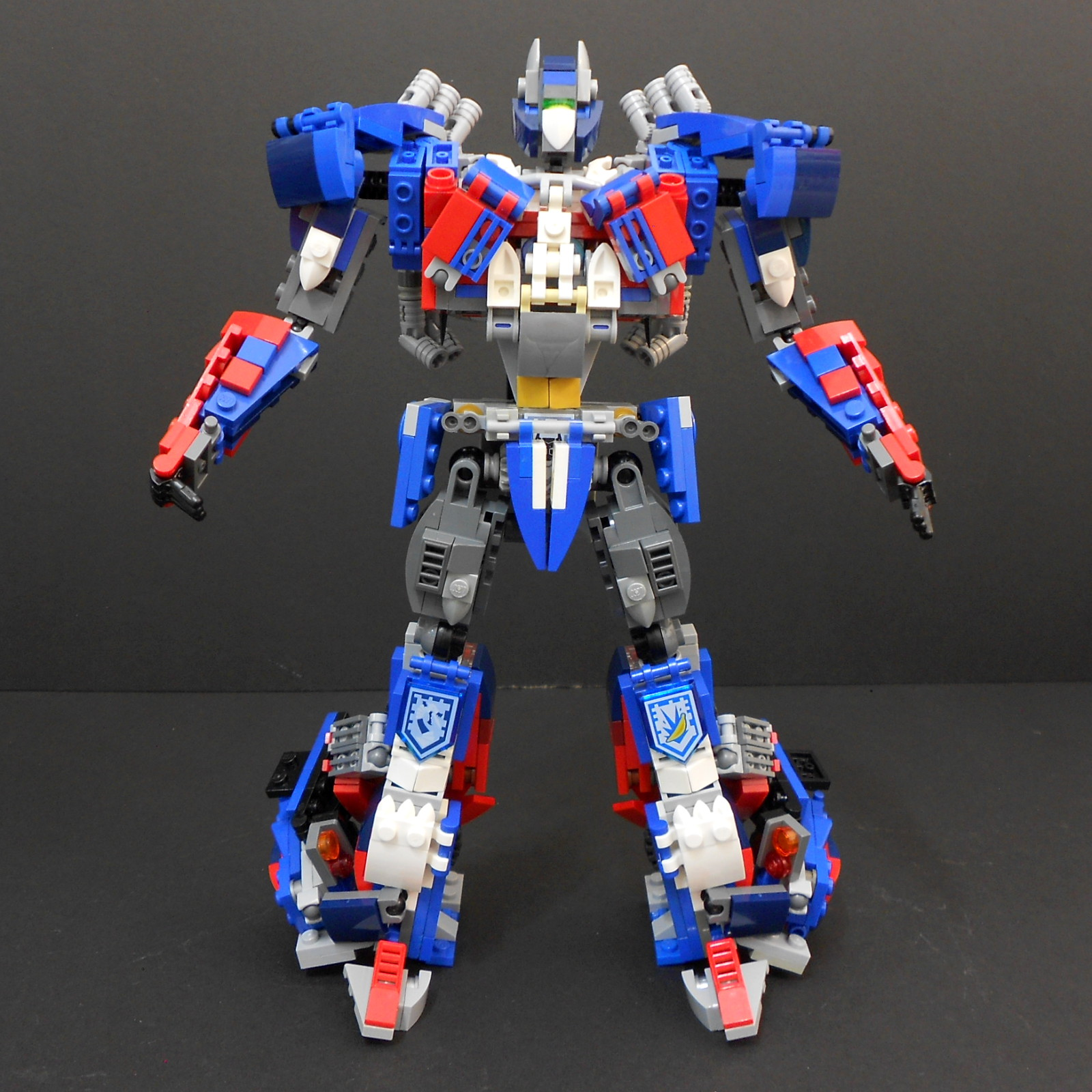 how to make optimus prime out of legos