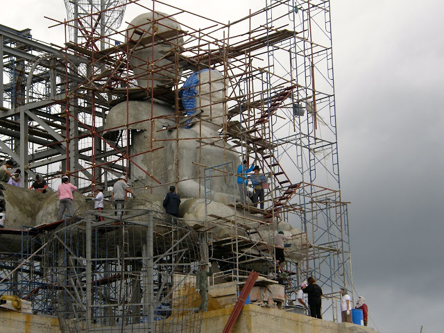 Construction of the Wat Phasorn Kaew in Khao Kho, Thailand