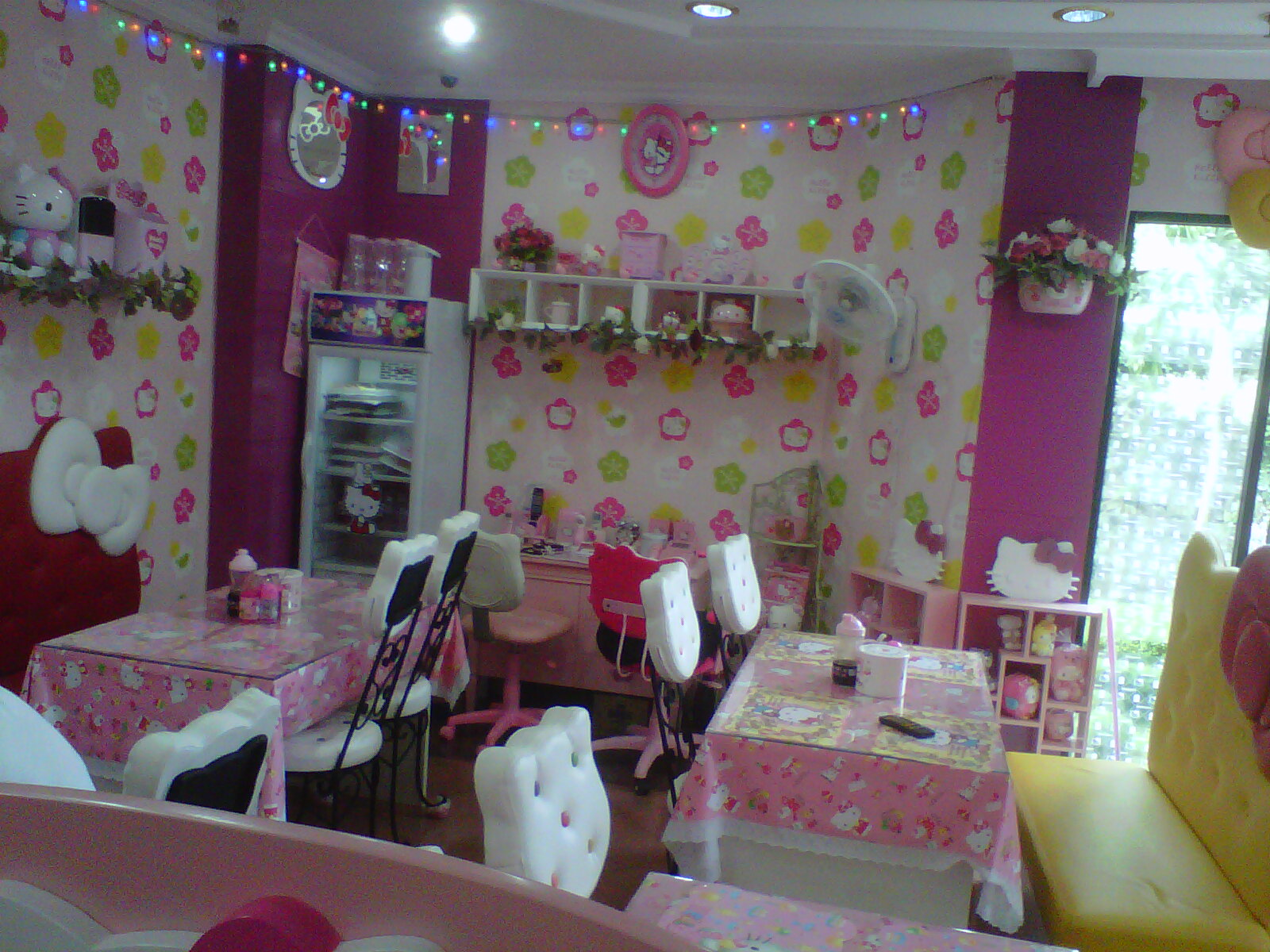 Lihat Rumah Hello Kitty Adhel Hello Kitty Hotel And Cafe Hello Kitty