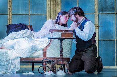 Verdi: La Traviata - Alison Langer, Stephen Aviss - Opera Holland Park 2018 (Photo Robert Workman)
