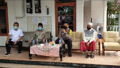 Polres Sampang Laksanakan Door To Door Vaksin Covid-19 Ke Pondok Pesantren Di Kabupaten Sampang