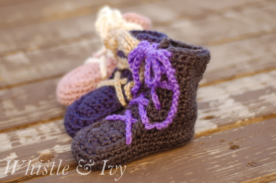 Keep baby's feet cozy and warm with these baby moccasin boots. Get the free crochet pattern at Whistle & Ivy