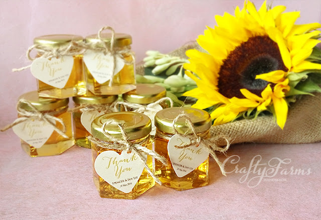 Honey Jar Favours with Jute String and Tag, Hantaran Kahwin, Bee in Love