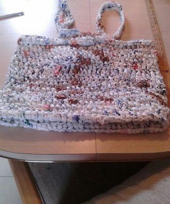 crochet, plarn, tote, bag, plastic yarn, recycling, beginner