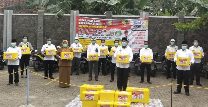 """""""Golkar Lawan Covid-19"""" TEC Sumbangkan APD Untuk Tenaga Medis Se-Lampung Selatan"""