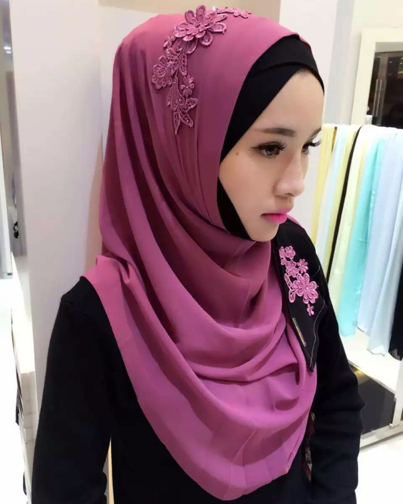 cewek manis hidung mancung model jilbab