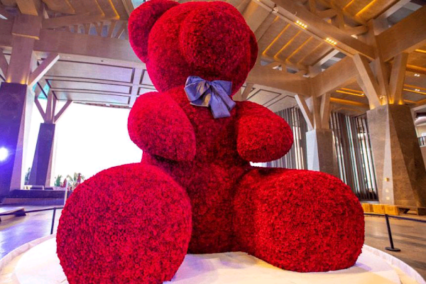 20-foot-2-inch bear made from roses breaks Guinness record