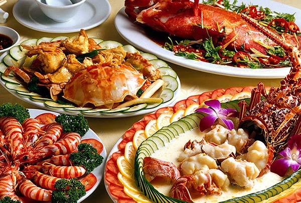 Kiêng ăn hải sản sau khi phun xăm môi