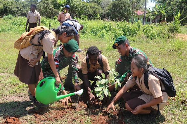 Peringati HMPI Satgas Pamtas RI-PNG Yonif 411/Pdw Budayakan Cinta Tanam Pohon