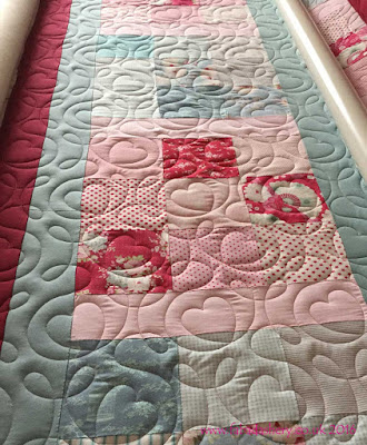 Fabadashery Long Arm Quilting - Ginger Hearts Digital Pantograph