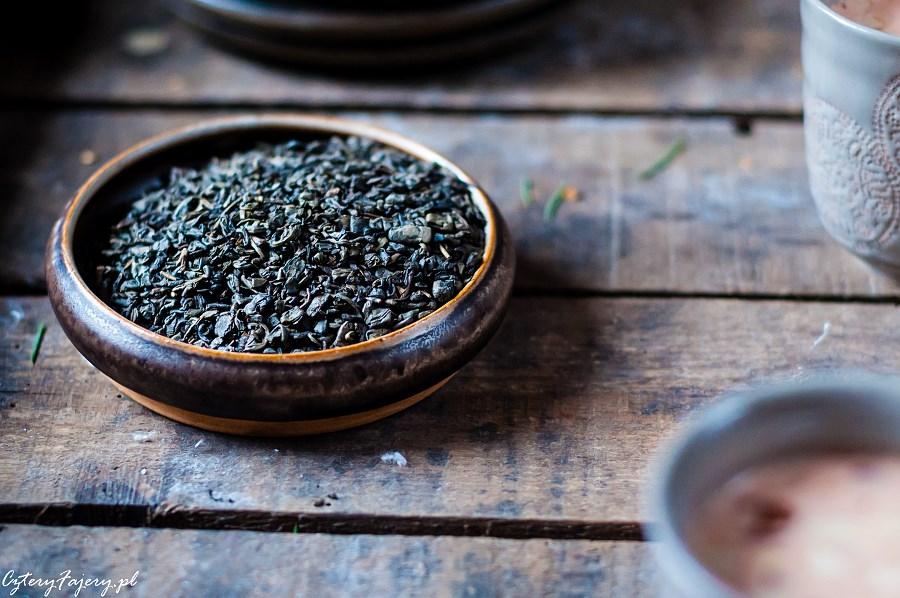 Rozowa-rozgrzewajaca-herbata-z-Kaszmiru