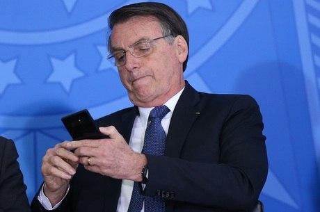 """LIVRE DE CENSURA: Rede social """"Parler"""" vira febre e ganha vários usuários até presidente Bolsonaro adere"""